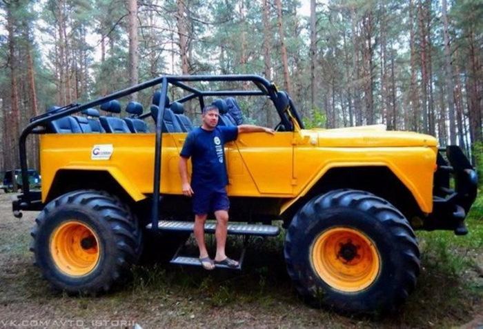 Гигантский внедорожник построили в Беларуси.jpg
