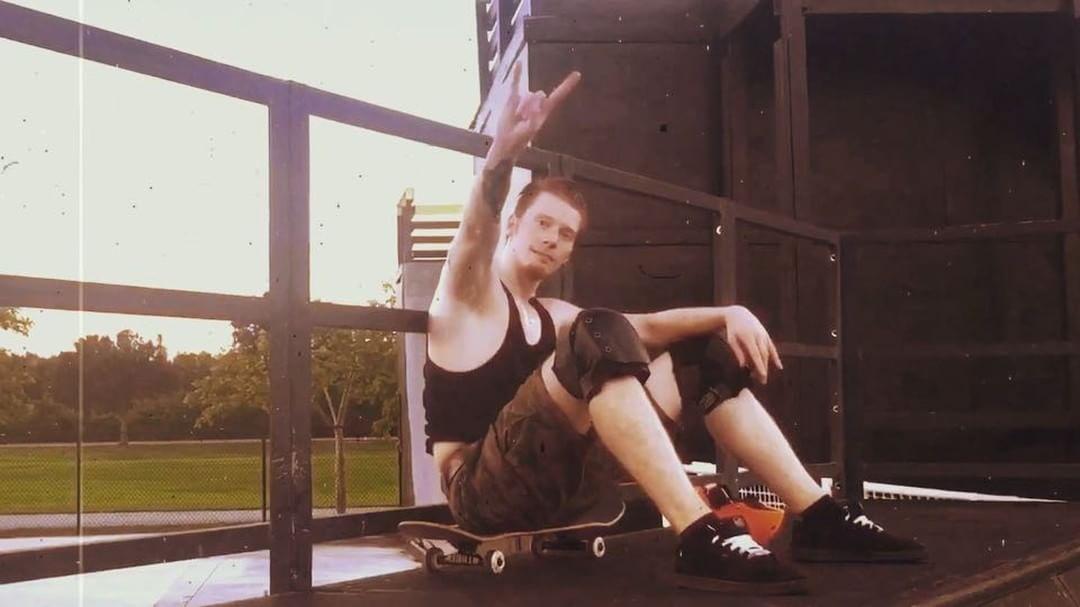 Никита Пресняков на скейте.jpg