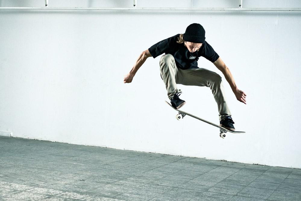 Олли трюк в скейтбординге.jpg